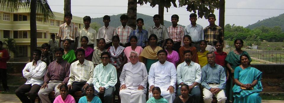 Photo de groupe avec les étudiants